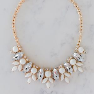Jewelry - Cream and Gold Boutique Statement Necklace